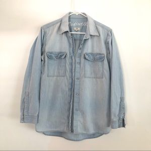Madewell chambray light denim button up shirt xs